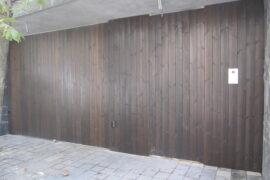 درب چوبی- خیابان فرشته