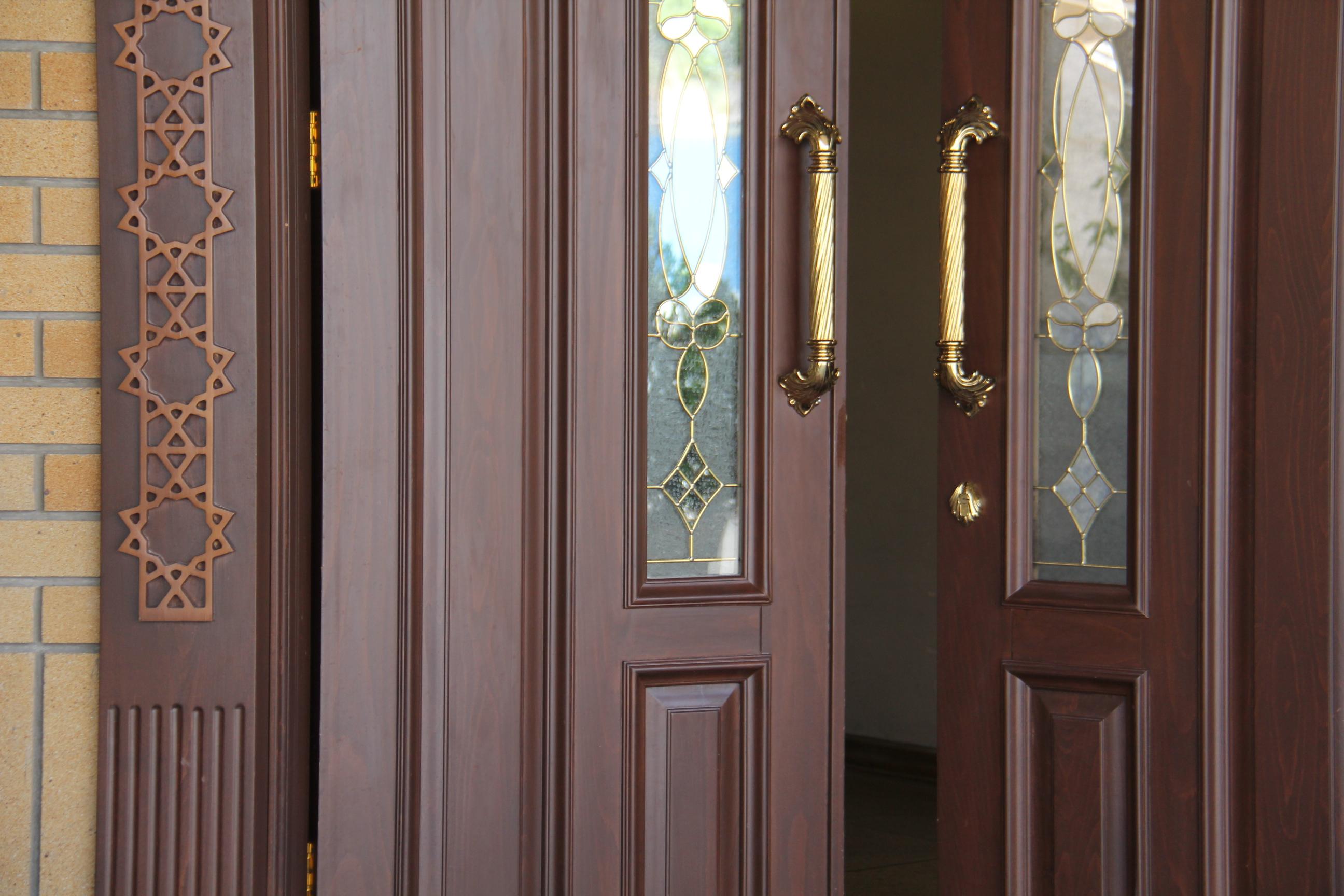 درب چوبی – کتابخانه ملی