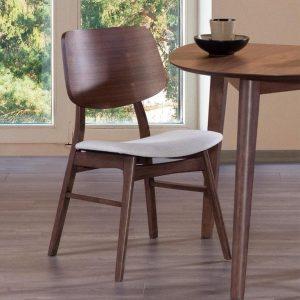 نگهداری صندلی چوبی